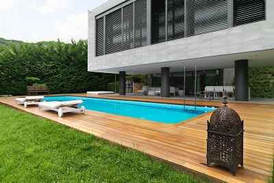 Exclusive villa with a swimming pool close to Barcelona